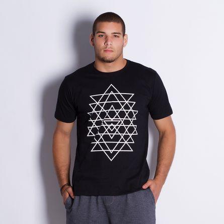 Camiseta-Masculina-Triangulo-Black
