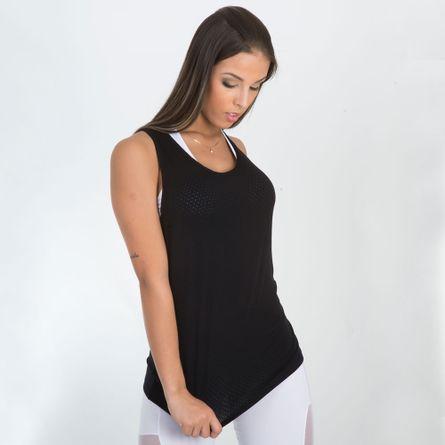 camiseta-fitness-tecido-furadinho-preto