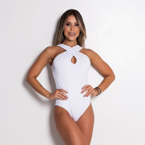 Body-Fitness-Crossed-White