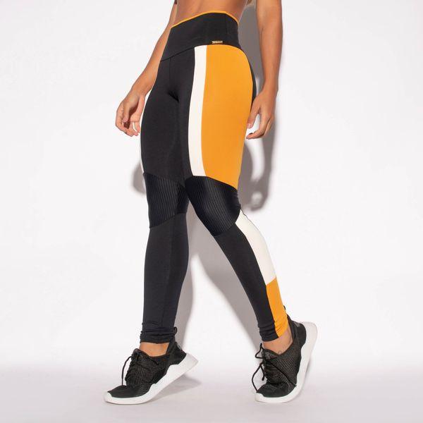 Legging-Preta-Poliamida-Recorte-Lateral-Caramelo-e-Textura-LG1465