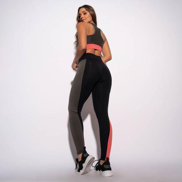 Legging-Fitness-Preta-com-Recortes-Laterais-LG1569
