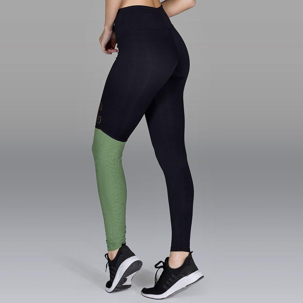 LG1632-Legging-Fitness-Preta-Recorte-Textura-e-Silk