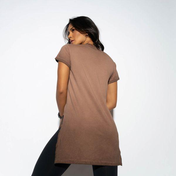 Blusa-Fitness-Marrom-Alongada-com-Fenda-BL353